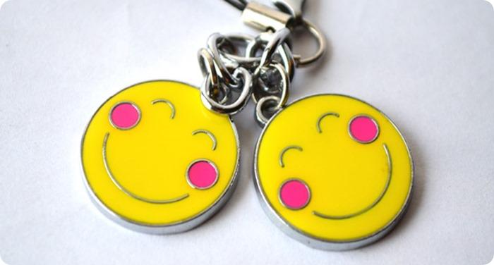 2832-two-couple-smileys.jpg