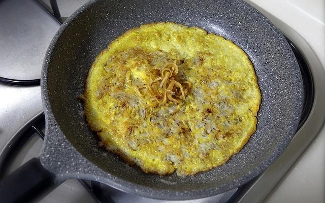 Ricette Veloci: come fare la farifrittata perfetta (con cipolle e non solo)